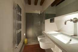 6 trucchi per arredare un bagno stretto e lungo - Bagno stretto e lungo disposizione sanitari ...