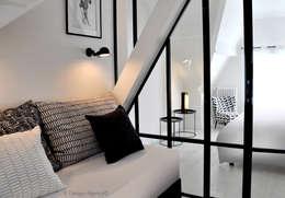 Le Coin Banquette: Bureau de style de style Industriel par K Design Agency
