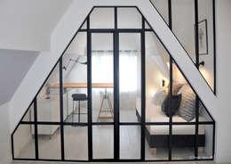 La Verrière: Bureau de style de style Industriel par K Design Agency