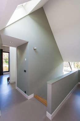 Corridor & hallway by ScanaBouw BV