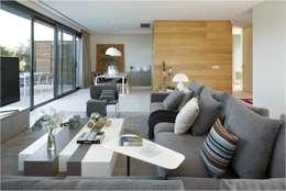 modern Living room by ruiz narvaiza associats sl