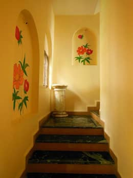 Yusuf Karim House Pics in Althino:  Walls by Rita Mody Joshi & Associates