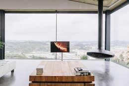 Spektakuläre TV Aufhängung Vor Atemberaubend Natürlicher Kulisse