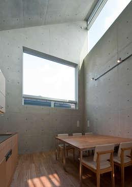 MKR: 一級建築士事務所アトリエソルト株式会社が手掛けたダイニングです。