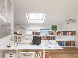 Estudios y oficinas de estilo moderno por MIROarchitetti
