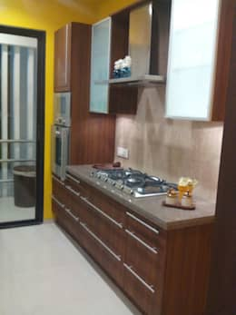 Residential Interior Project @ Mumbai: eclectic Kitchen by Nikneh studio