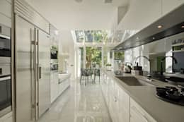 classic Kitchen by Nash Baker Architects Ltd