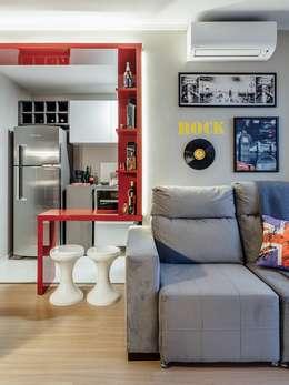 Livings de estilo moderno por Ambientta Arquitetura