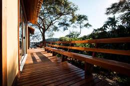 Residência JA: Terraços  por L2 Arquitetura