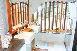 rustic Bathroom by Hérmanes Abreu Arquitetura Ltda