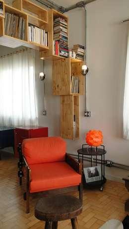 Salas / recibidores de estilo moderno por omnibus arquitetura