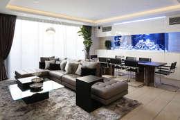 غرفة المعيشة تنفيذ 株式会社  小林恒建築研究所