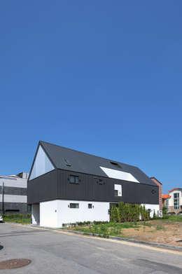 Projekty, nowoczesne Domy zaprojektowane przez mlnp architects