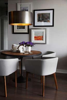 Appaprtement, 2013: Salle à manger de style de style Moderne par ANNA DUVAL