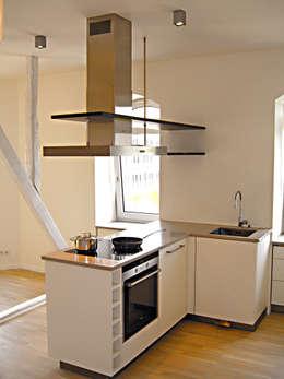 Projekty,  Kuchnia zaprojektowane przez HONEYandSPICE innenarchitektur + design