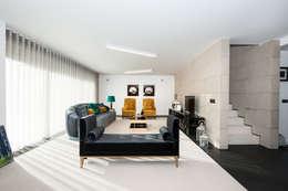 mioconcept: minimal tarz tarz Oturma Odası