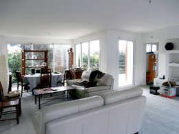 Extension Contemporaine à Meudon: Salon de style de style Moderne par Olivier Stadler Architecte