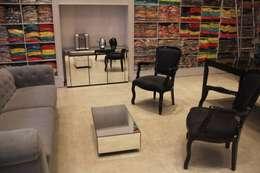 Oficinas y Tiendas de estilo  por ANA PAULA MONTEIRO ARQUITETURA &