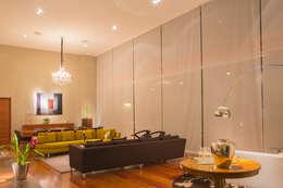 Salas / recibidores de estilo moderno por DLPS Arquitectos
