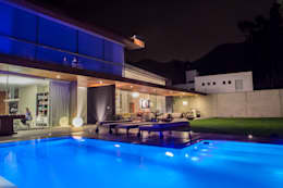 Piscinas de estilo moderno por DLPS Arquitectos