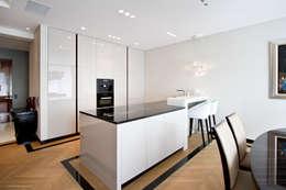 Projekt Apartamentu: styl , w kategorii Kuchnia zaprojektowany przez Katarzyna Kraszewska Architektura Wnętrz