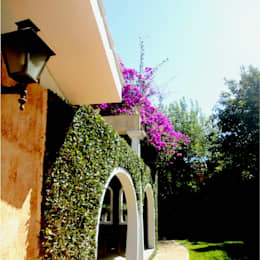 Residência do Pátio do Arcos : Casas  por Marisol Réquia Arquitetura