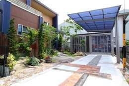 Projekty,  Garaż zaprojektowane przez 平山庭店