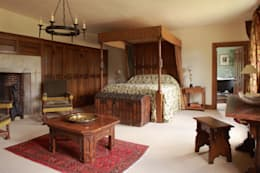 classic Bedroom by Stuart Interiors