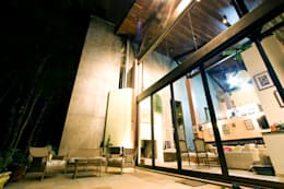 Casas de estilo rústico por Central de Projetos
