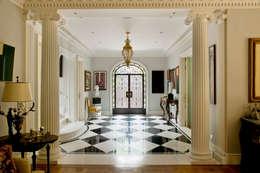 Corridor & hallway by Allan Malouf Arquitetura e Interiores
