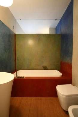 Baños de estilo moderno por Miko design