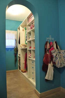modern Bedroom by Estudio Moron Saad