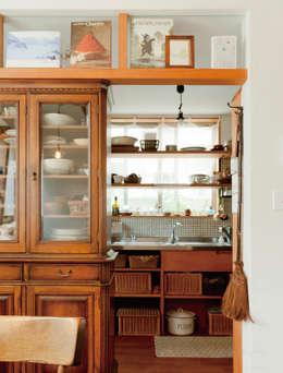 modern Kitchen by ユミラ建築設計室