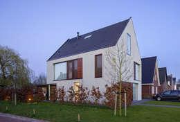 Projekty, nowoczesne Domy zaprojektowane przez JMW architecten