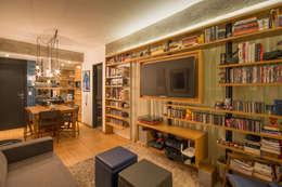 Salas de estilo moderno por Sacada