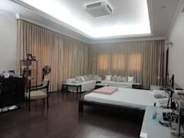 Master Room: classic Bedroom by S.S. Design Studio