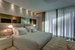 Dormitorios de estilo  por Isabella Magalhães Arquitetura & Interiores