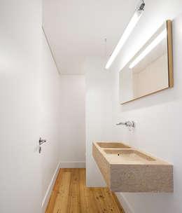 moderne Badkamer door OW ARQUITECTOS I simplicity works | geral@ow-arquitectos.com