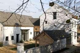 Project met  Cor-bo: landelijke Huizen door De Plankerij BVBA