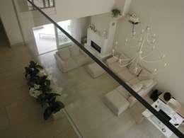 Livings de estilo moderno por Studio di Architettura e Ingegneria Brasina-Rubino