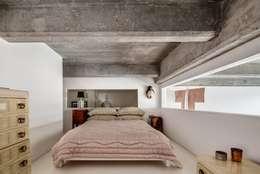 modern Bedroom by MOSAIC DEL SUR
