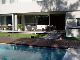 modern Zwembad door gatarqs