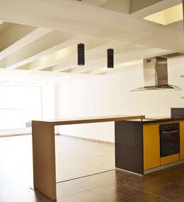 APARTAMENTO 62: Comedores de estilo ecléctico por santiago dussan architecture & Interior design