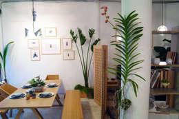 tropical Living room by Clorofilia