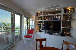 appartement roquebrune cap martin : Salle à manger de style de style Moderne par kmmarchitecture