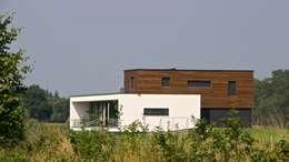 Prachtige villa op bijzonder landgoed in De Achterhoek: moderne Huizen door ARX architecten