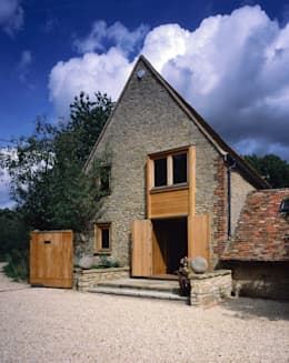 KSR Architects | Luxury barn conversion | Exterior: rustic Houses by KSR Architects
