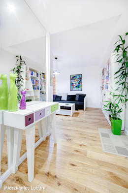 mieszkanie na Felinie Lublin: styl , w kategorii Korytarz, przedpokój zaprojektowany przez Auraprojekt