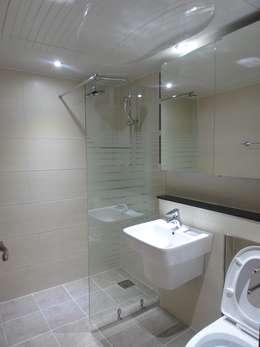 modern Bathroom by 디자인 컴퍼니 에스