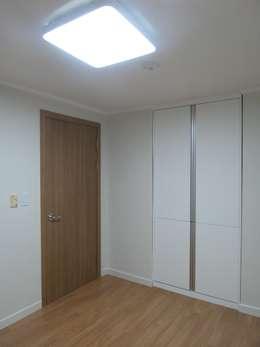 modern Bedroom by 디자인 컴퍼니 에스